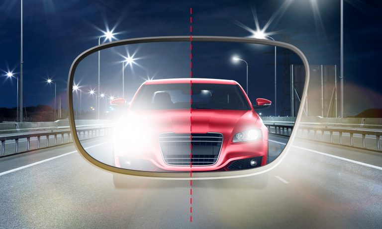 Weniger Blendung und entspannteres Fahren mit den neuen UV410 BlueCut Brillengläsern